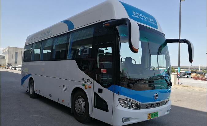申龙氢燃料电池客车亮相2019北京道路运输车辆展