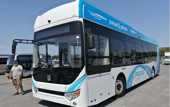 吉利氢燃料电池客车F12和纯电动客车C11亮相2019道路运输展