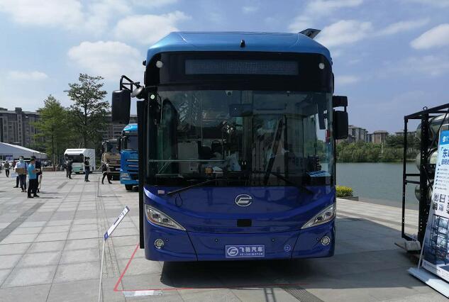 50台飞驰氢燃料电池客车交付青岛 续航450公里|加氢15分钟