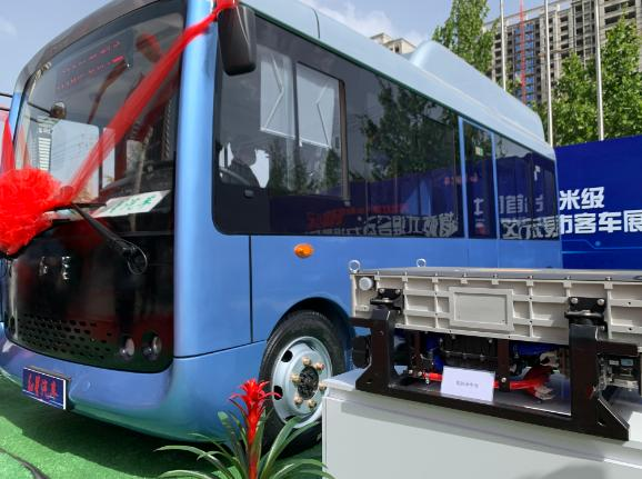 中国首台6米低地板燃料电池客车--红星氢燃料电池客车S01亮相