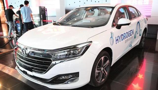 北汽氢燃料电池汽车亮相北京绿色用车环保出行展 续航超450km