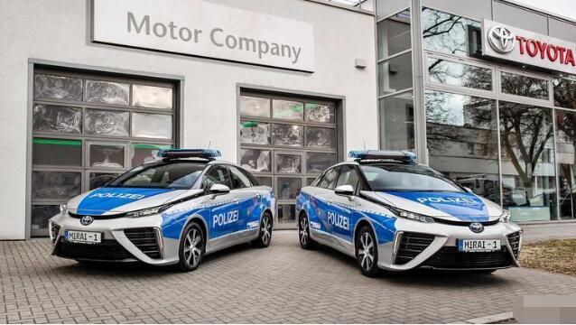 丰田氢燃料电池汽车MIRAI用于德国柏林警察巡逻