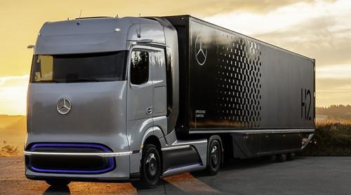 贺峰:奔驰液态氢燃料电池重卡车用户试驾计划2023年开始进行