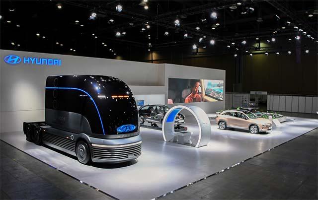 世界首个氢燃料电池车展韩国开幕 现代氢燃料电池汽车卡车亮相