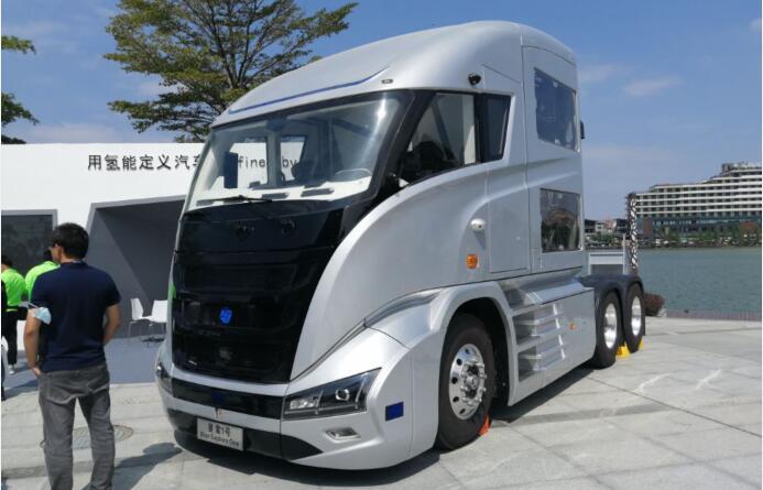 全球首台自动驾驶氢燃料电池重卡车亮相佛山氢展 续航1000KM
